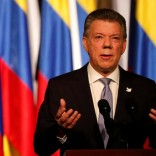 Colombia's President Juan Manuel Santos gives his speech after signing a new peace accord with Marxist FARC rebel leader Rodrigo Londono, known as Timochenko, in Bogota, Colombia November 24, 2016. Picture Taken November 24, 2016. REUTERS/Jaime Saldarriaga