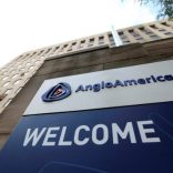 anglo-american-plcs-south-african-headquarters-as-ceo-cynthia-carroll-quits-9-555x370 (1)
