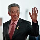 FILE PHOTO: Singapore's Prime Minister Lee Hsien Loong arrives at the Hangzhou Exhibition Center to participate in the G20 Summit, in Hangzhou, Zhejiang province, China, September 4, 2016. REUTERS/Etienne Oliveau/File Photo