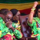 FILE PHOTO: Zimbabwean President Robert Mugabe and his wife Grace attend a rally in Marondera, Zimbabwe, June 2, 2017. REUTERS/Philimon Bulawayo/File Photo