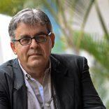 """O historiador e escritor moçambicano João Paulo Borges fala sobre a independência e defende que a luta de libertação de Moçambique legitimou em 1975 o poder da Frelimo, mas, quarenta anos depois, o país não é ainda uma democracia e possui uma Constituição desajustada, em Maputo, Mçambique, 06 de junho de 2015. Para o historiador e escritor moçambicano, passados quarenta anos da independência, a realidade política e económica do país """"ainda não está em consonância com a Constituição"""". (ACOMPANHA TEXTO). ANTÓNIO SILVA/LUSA"""