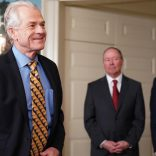 Director of Trade and Industrial Policy Peter Navarro arrives before US President Donald Trump signed trade sanctions against China on March 22, 2018 in the Roosevelt Room of the White House on March 22, 2018. / AFP PHOTO / Mandel NGAN